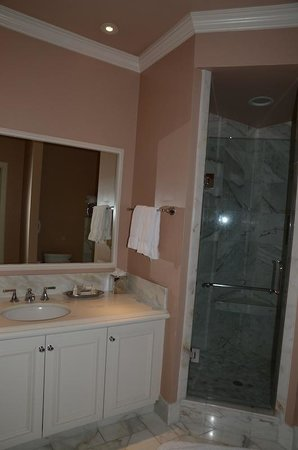 Spindrift Inn:                   Master bathroom in room 107