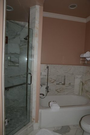 Spindrift Inn:                   Separate shower and tub