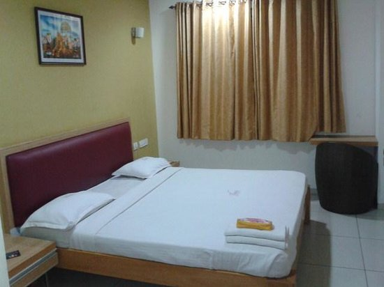 Hotel Annamalai International:                   Room - view 1