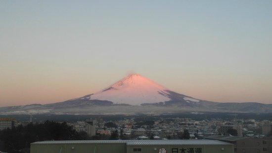 Super Hotel Gotenba :                   朝焼けの富士