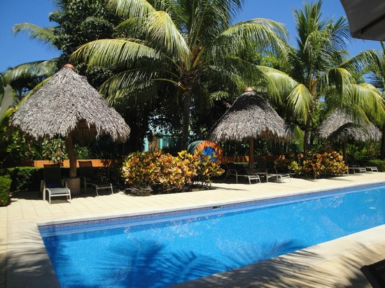Alma del Pacifico Beach Hotel & Spa:                   Beautiful grounds with lots of shade