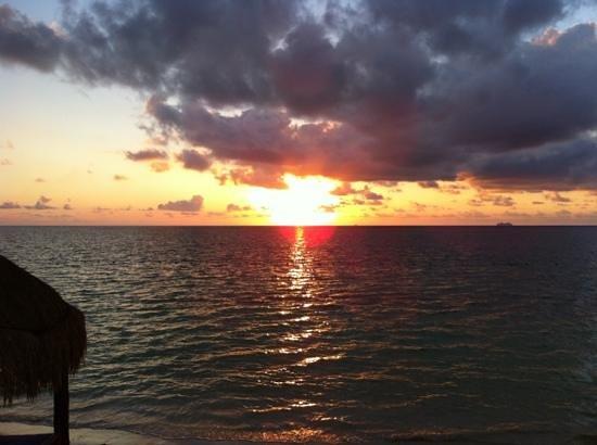 Azul Beach Resort Riviera Maya:                   beautiful sunrise