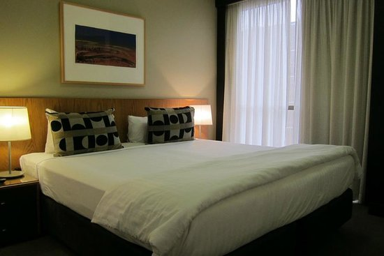 Adina Apartment Hotel Melbourne:                   Master Bedroom