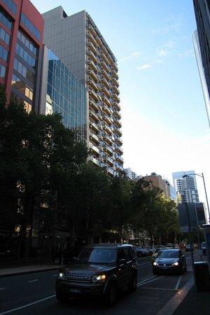 Adina Apartment Hotel Melbourne:                   Adina Exterior
