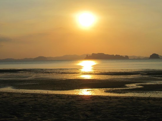 Anyavee Tubkaek Beach Resort:                   Nice sunsets