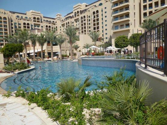 La plage priv e avec vue sur les tours de picture of for Hotel perpignan avec piscine