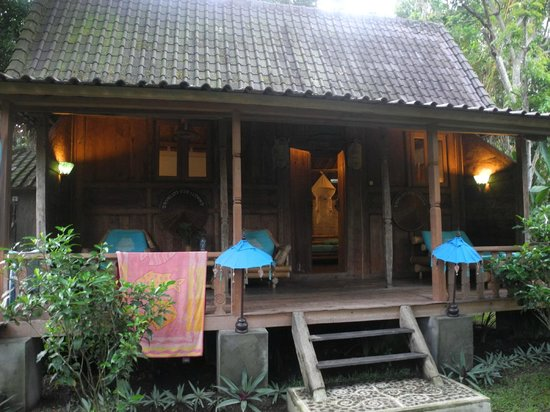 Swasti Eco Cottages:                   Lola bungalow