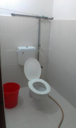 Cenang Rest House:                   The toilet area