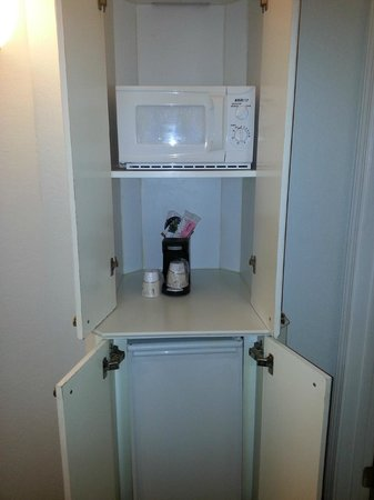 La Quinta Inn & Suites Ft. Lauderdale Plantation:                   Microwave