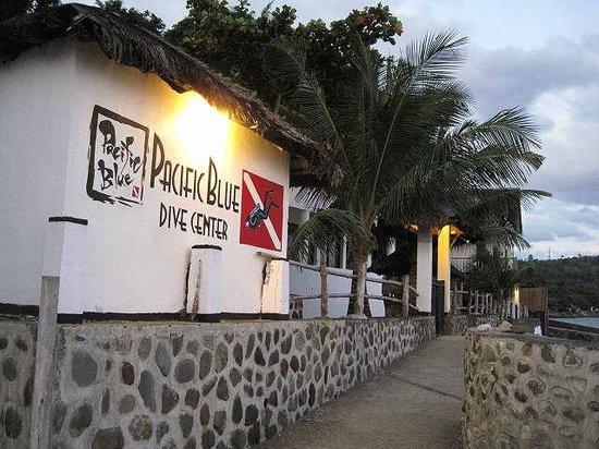 Pacifico Azul Resort:                   ホテル内ダイビングセンター