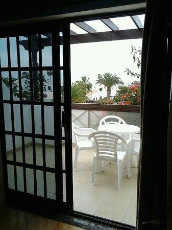 Apartamentos Los Tulipanes: terraza