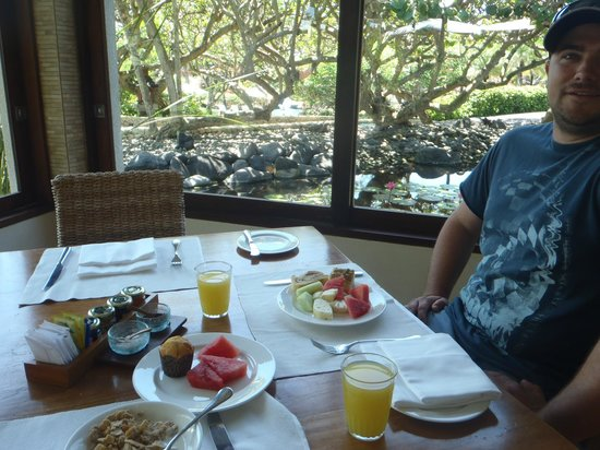 Grand Hyatt Bali:                   Breakfast Buffet