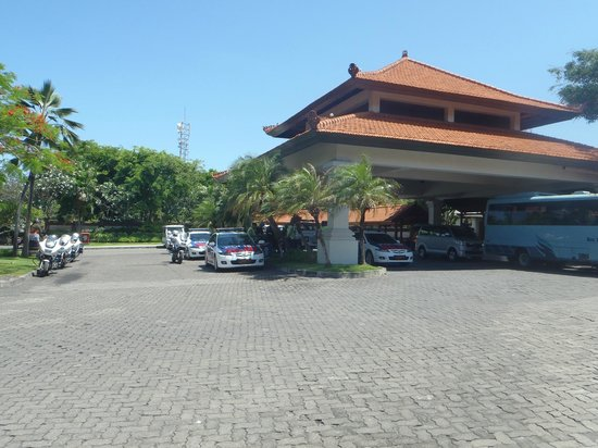 Grand Hyatt Bali:                   Security for the Asean Summit