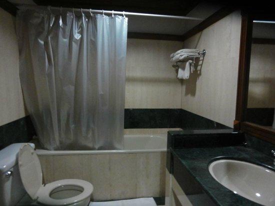 Yuzana Garden Hotel:                   バスルーム