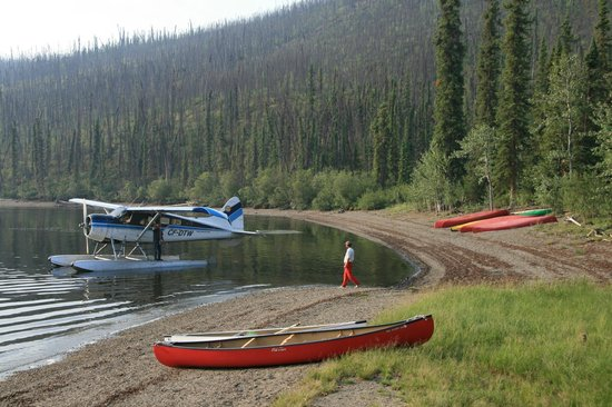 Frances Lake Wilderness Lodge: am See