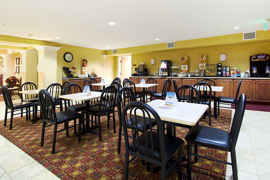 Sleep Inn & Suites: Dining Area