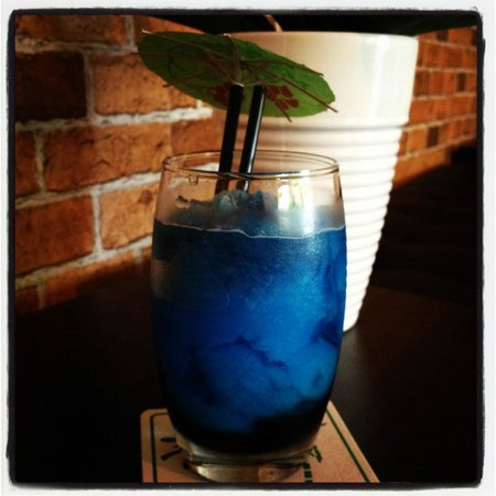 The Liquid Lounge: Fruit TIngle Mocktail