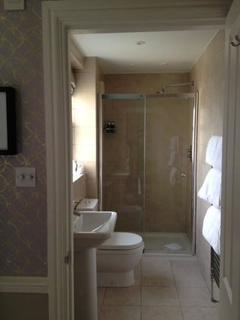 Leighton Townhouse:                   Shower room