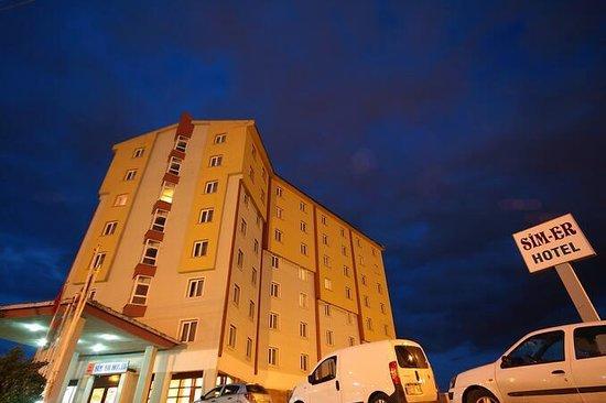 Sim-Er Hotel:                   otel giriş