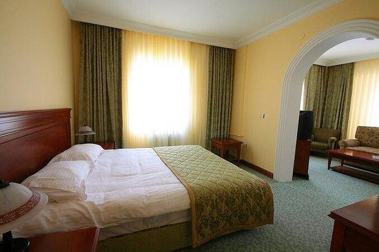 Sim-Er Hotel:                   7 kattaki benim odam :)