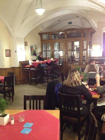 Hofer Der Stadtwirt:                   Inside downstairs