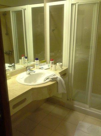 Hotel Exe Las Canteras:                   Bathroom