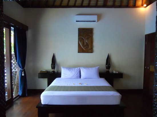 Luce d'Alma Resort & Spa:                   bedroom