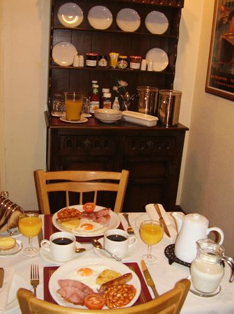 Weybourne Guest House: traditional breakfast