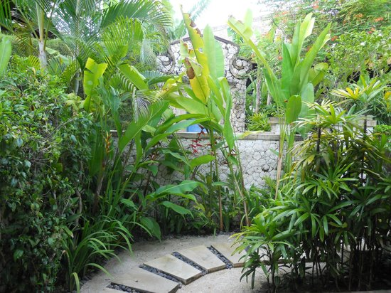 Novotel Bali Benoa:                                     private garden/entrance