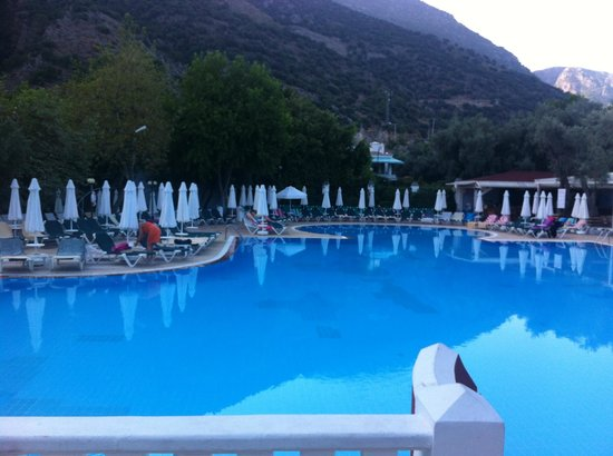 Club Belcekiz Beach Hotel:                   Pool Area
