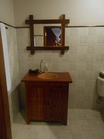 Inthira Vang Vieng:                   Salle de bains