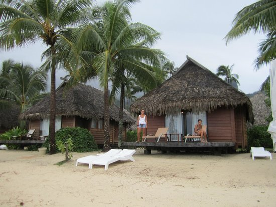 Manava Beach Resort & Spa - Moorea:                   Premium Beach Bungalow