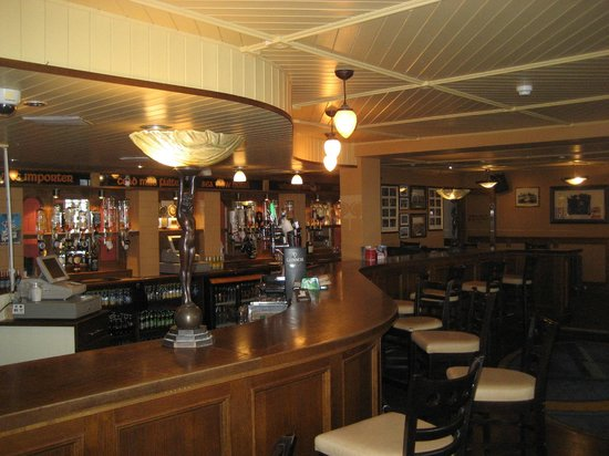 Seaview Hotel:                   The bar