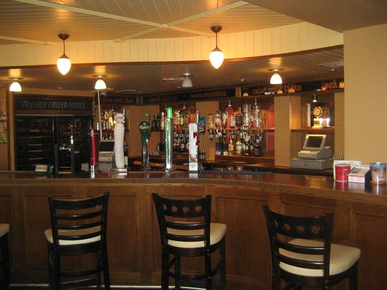 Seaview Hotel:                   More bar