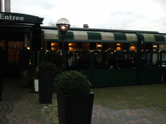 Hotel Centraal:                   the left wing of the restaurant