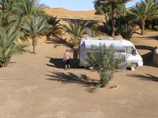 Auberge Camping Sahara:                   kamperen aan de voet van erg chebbi
