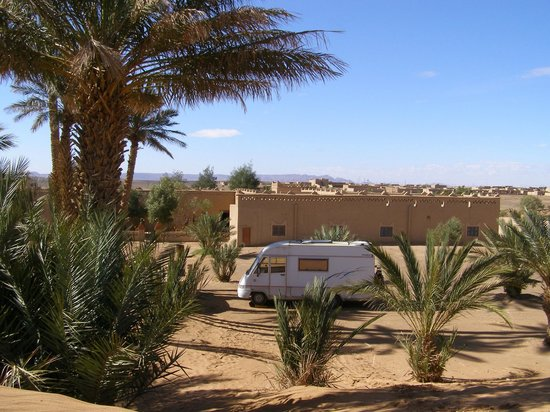 Auberge Camping Sahara:                   achteraanzicht auberge Sahara