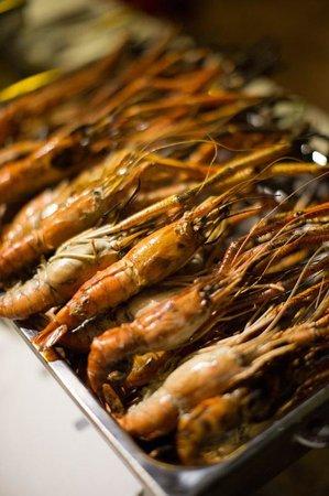 Anda Lanta Resort:                   Yum seafood BBQ - we love Anda's chef!