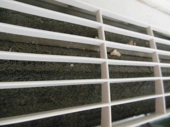 Seven Crown Malecon:                   etat de la climatisation de la chambre