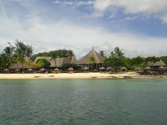 The Oberoi, Mauritius:                   Strand vom Boot aus