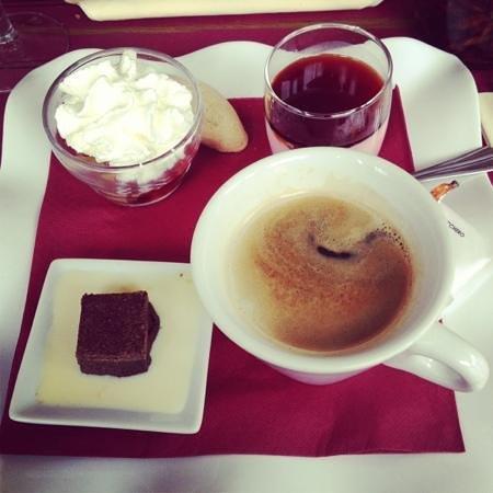 Le Pinocchio :                   café gourmand