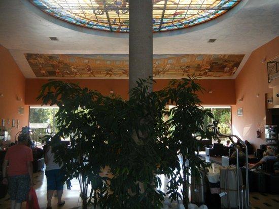 Ohtels Vil.la Romana:                   Hall