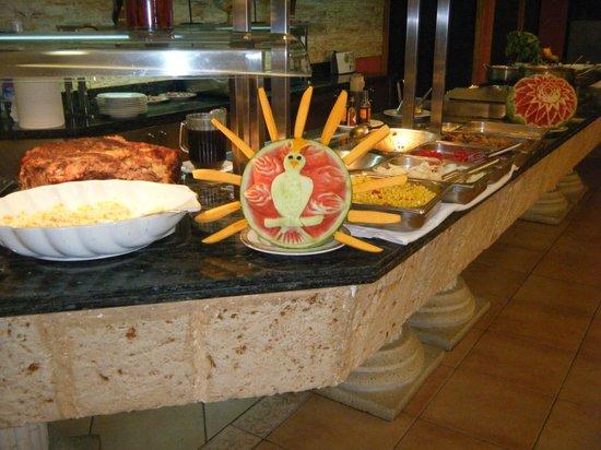 Ohtels Vil.la Romana:                   decoracion en el comedor
