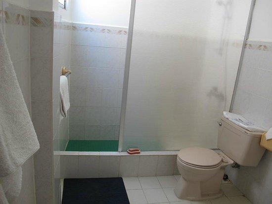 Hotel Chau Au Europa:                   bagno/bathroom