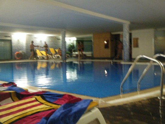 Ohtels Vil.la Romana:                   piscina interior