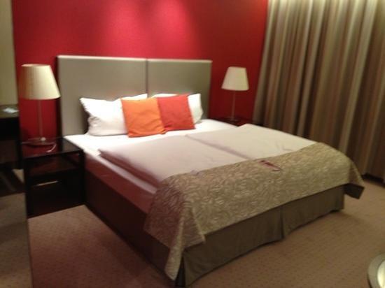 Austria Trend Hotel Savoyen Vienna:                   bed
