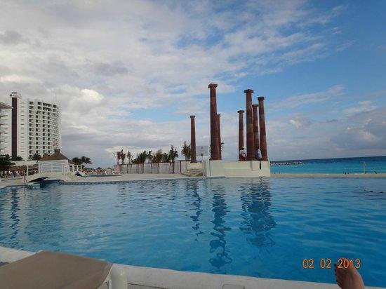 Krystal Cancun:                                                       PILETA