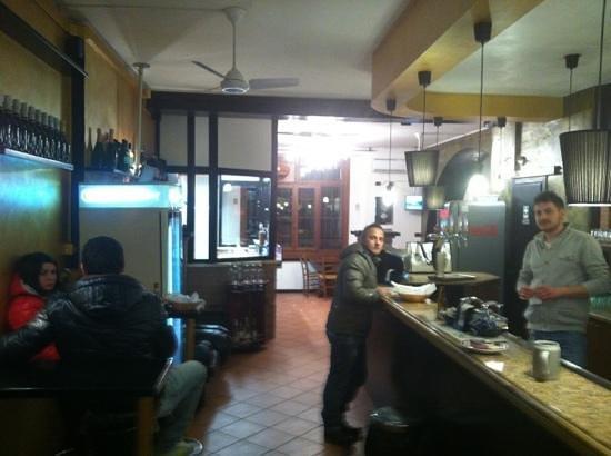 Bar Della Rocca Griglieria:                                     eccolo prima del servizio
