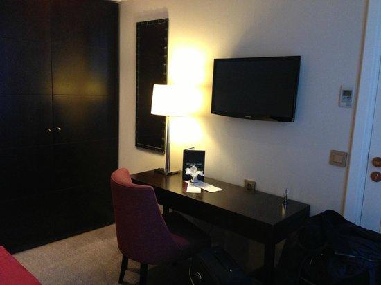 Hotel Chaplain:                   Dressing Table