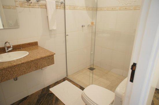 Holambra Garden Hotel :                   banheiro muito bom